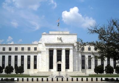 Goudprijs danst op het ritme van de centrale banken