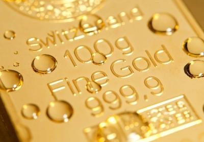 Goudprijs zit momenteel gevangen tussen hamer en aambeeld